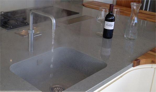 Silestone sink worktops glass inspiration atlantis for Silestone sink