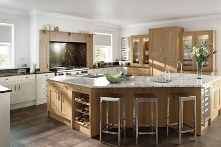 Shaker Lissa Oak Wood Kitchen